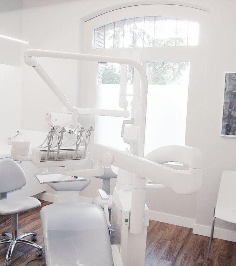 Clinica Dental San Lazaro, Adra decoracion, Felix Bernal Juan 7
